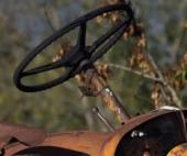 В Котласском районе на угнанном тракторе погибли водитель и пассажир
