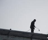 В Архангельске молодой рабочий упал с высоты 6 этажа