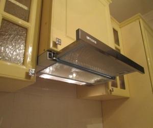 Несколько советов, как правильно установить вытяжку на кухне