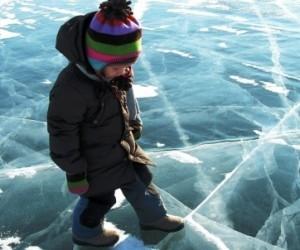 В Архангельской области 2 детей провалились под лед