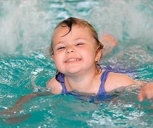 Полезен ли бассейн маленьким детям?