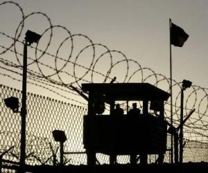 В Плесецком районе осужденным в колонию попытались передать телефоны