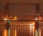 В воскресенье вечером в Архангельске перекрыли мост из-за звонка «минера»