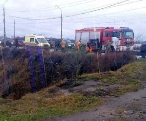 В Архангельске девушка упала с Кузнечевского моста