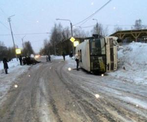 В Архангельске произошло ДТП с участием пассажирского автобуса