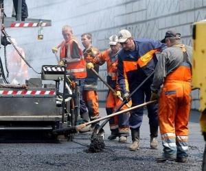 В Архангельске продолжаются ремонтные работы на городских автомагистралях
