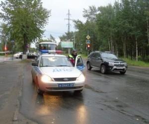 В Северодвинске водитель сбил двух девочек