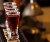 Мать, которая выпивали в присутствии малолетней дочери, получила условку