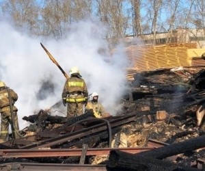 На окраине Котласа произошел пожар