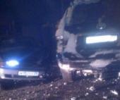 В Архангельске на железнодорожном мосту столкнулись два автомобиля