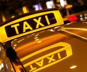 В Северодвинске таксист придавил ногу клиентке колесом