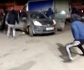 В Архангельске около ДТП произошел пьяный дебош