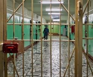 В Архангельске осужденный ударил сотрудника СИЗО