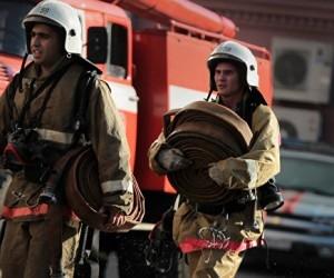 В Архангельской области в пожаре чуть не погибли бабушка с детьми