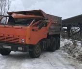 В Коряжме водитель КАМАЗа пострадал, спасая лису