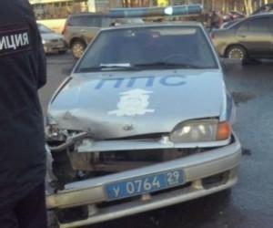 В Архангельске в ДТП попала машина ППС