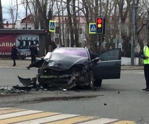 В Архангельске столкнулись иномарка и пассажирский автобус