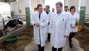 Губернатор посетил образцово-показательную ферму