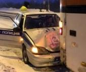 В Архангельской области машина ДПС протаранила автобус