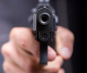 В Поморье мужчина убил дочь и застрелился