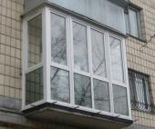 Полугодовалый ребенок закрыл бабушку на балконе в Северодвинске