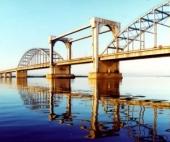 В Архангельске спасатели сняли подростка с опоры моста