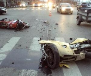 В Архангельске произошло серьезное ДТП с мотоциклистом